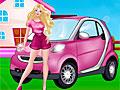 Розовый автомобиль на автомойке